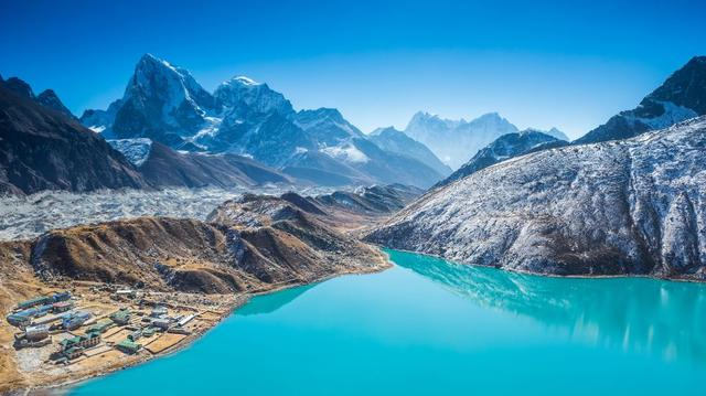 Everest Base camp trek a údolí Gokyo