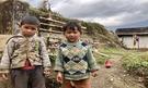 Nepálské děti cestou do základního tábora