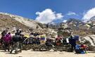 Odpočívající šerpové na Thokla Passu