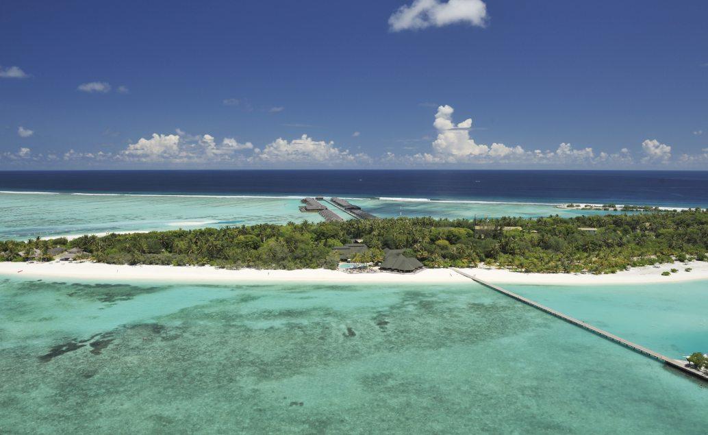 Relax na pláži pod palmami a průzračné moře