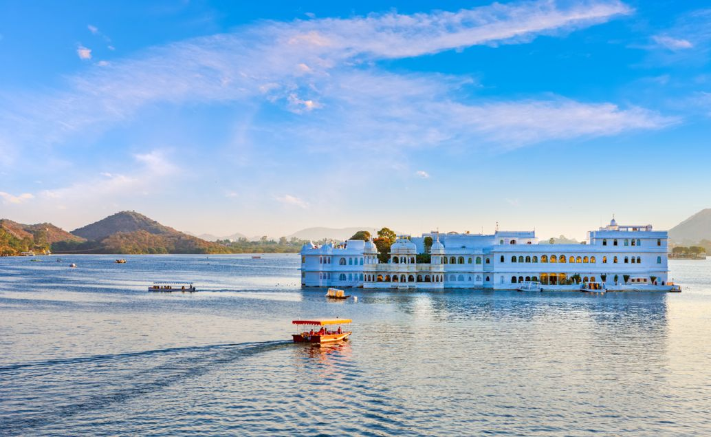 Vodní palác Jal Mahal v Jaipuru