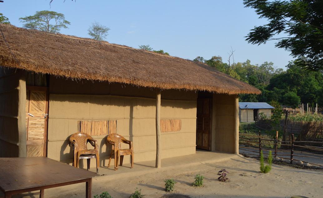 Pěší Safari s pobytem u místních v NP Chitwan NEPÁL