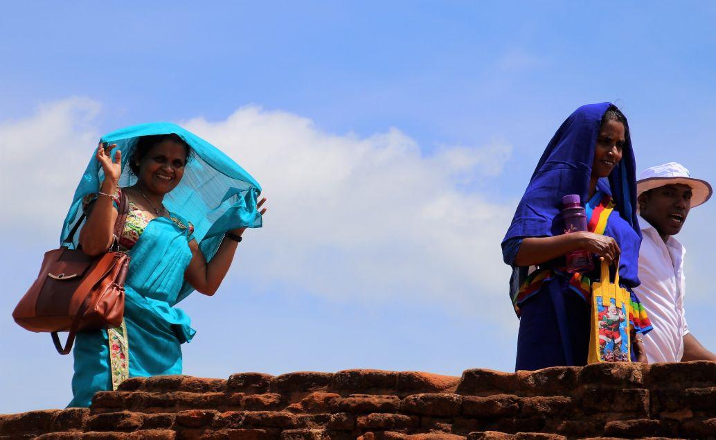 Indické ženy v tradičním oděvu