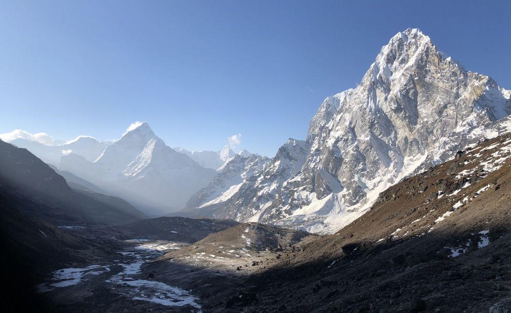 Everest Base Camp a jezero Gokyo